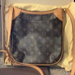 Authentic Louis Vuitton ODEON PM cross body